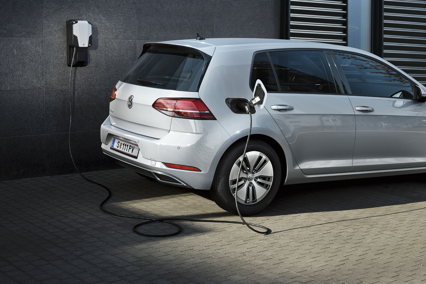 vw volkswagen e-golf automobil electric profil