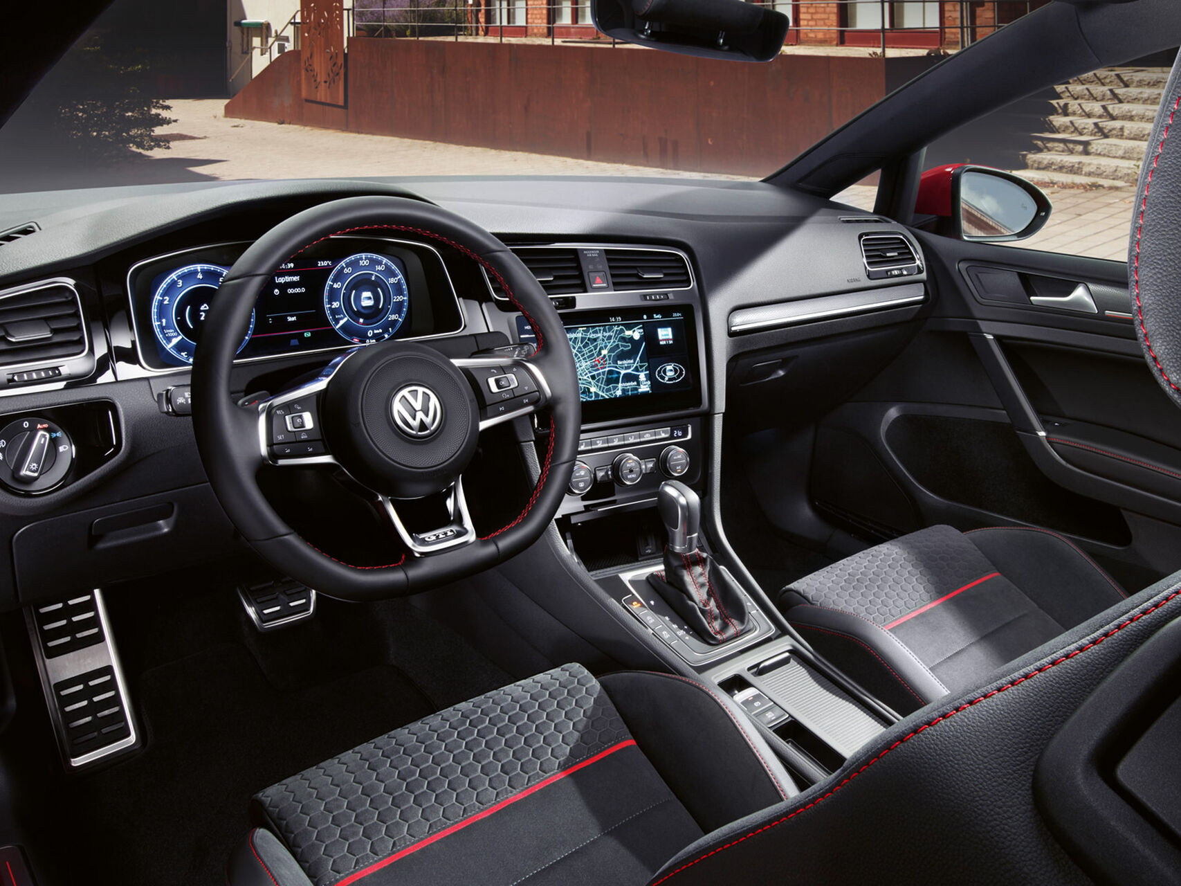 VW Golf GTI interior și bord